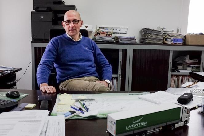 Jean-Marc Lheritier, 49 ans, à la tête d'une entreprise de transport, a des difficultés à recruter de la main-d'œuvre.