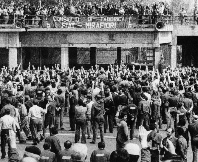 Bologne, 1969, assemblée générale à l'usine Fiat.