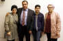 Le docteur Izzeldin Abuelaish et ses enfants Shada, Abdallah etRafa à Jerusalem le 14 mars.