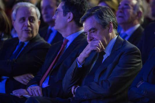 François Fillon lors d'une réunion publique à Courbevoie (Hauts de Seine) le 21 mars.