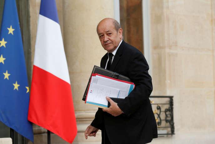 Jean-Yves Le Drian, le 27 juillet 2016, au palais de l'Elysée.