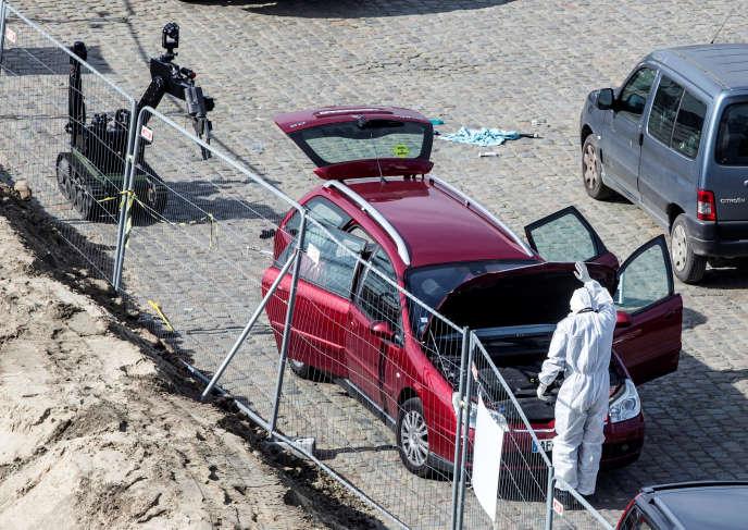 De source policière française, le suspect n'était « connu pour aucun fait terroriste », mais pour de nombreuses « infractions de droit commun »