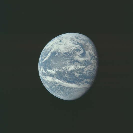 La Terre, photographiée par la NASA en 1969. Les archives de la NASA en comptent 12 000.