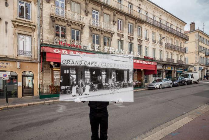 En plein centre ville de Bourg-en-Bresse, le Café Français orchestre la vie locale depuis plus d'un siècle.