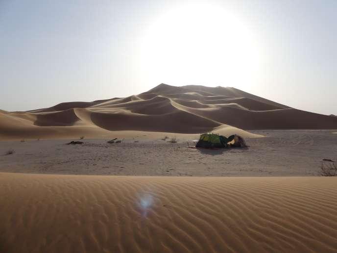 Vue du camp de Gauthier Toulemonde, dans le désert d'Oman en mars 2017.