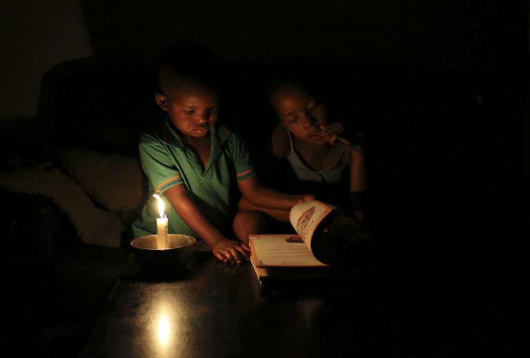 Deux enfants sud-africains en 2015.