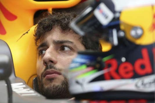 Le pilote Red Bull Daniel Ricciardo, avant le départ de la deuxième session d'essais, le 24 mars à Melbourne.