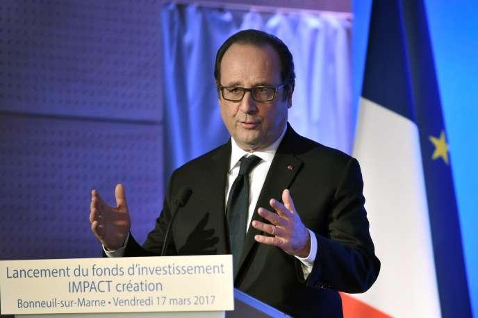François Hollande, à Bonneuil-sur-Marne (Val-de-Marne), le 17 mars.