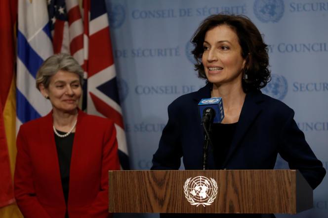 «Chacun verra en elle celle qui a dit non, celle qui au lieu de défendre le patrimoine, a défendu les voleurs de patrimoine, la figure même du néo-colonialisme à la française.» (Photo: Audrey Azoulay, à droite, et Irina Bokova, directrice générale de l'Unesco, à New York, le 24 mars).