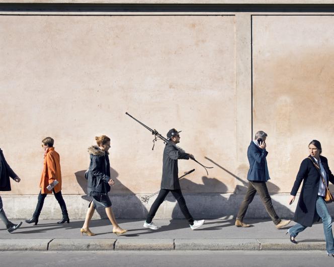 Extrait de la série « Affaires privées», consacrée aux objets vendus sur Leboncoin,à Paris,en2015. Ici, des skis.