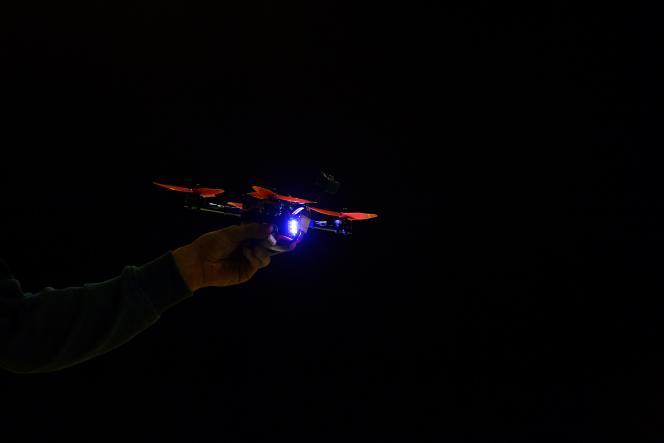 Un drone en lice lors de la dernière épreuve organisée à la fin mars à Séville par la FAI Drone Racing World Cup 2017. Le poids ne doit pas excéder 1 kg.