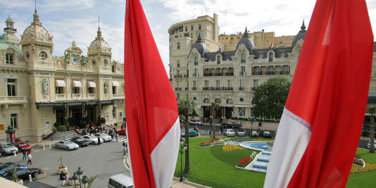 Le braquage s'est déroulé place du Casino, en plein centre-ville de la Principauté.