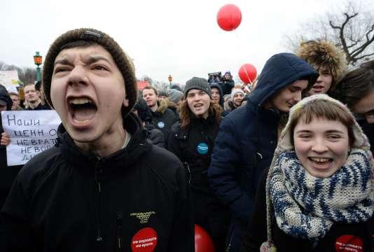 Manifestation contre la corruption, dimanche 26 mars, à Saint-Pétersbourg.