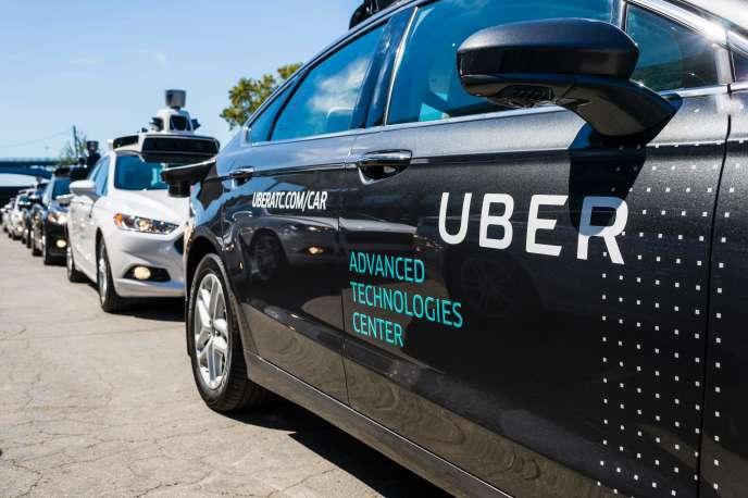 Une voiture autonome d'Uber, en septembre 2016 à Pittsburgh.