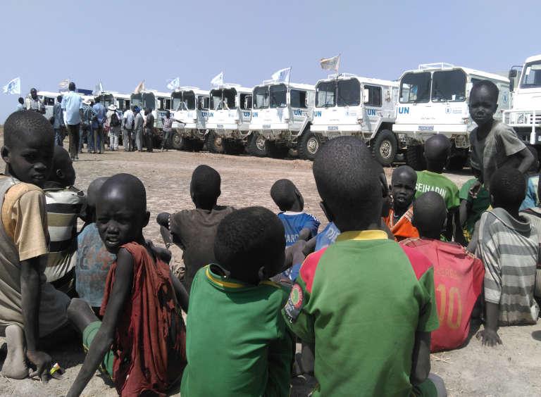 Selon l'ONU, 6,2 millions de Sud-soudanais ont besoin d'une aide alimentaire d'urgence, apportée par les travailleurs humanitaires.