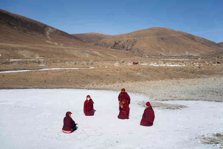 Prière et méditations ponctuent la vie monastique, même en plein hiver.La méditation se fait quatre fois par jour, chacune durantde deux à troisheures.