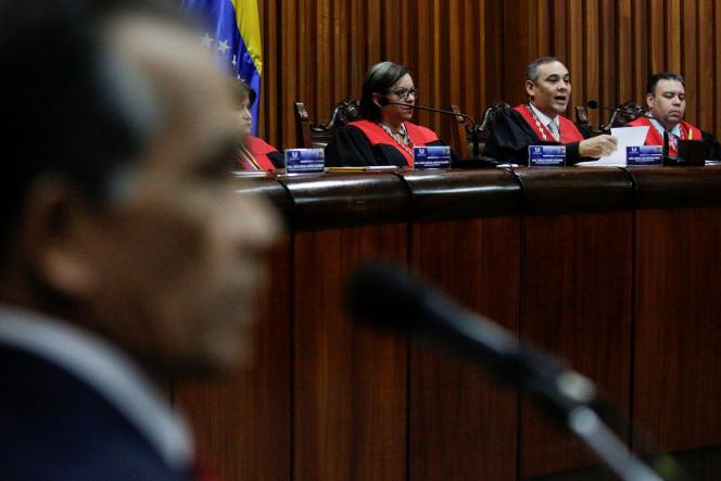 Les juges de la Cour suprême du Venezuela, le 27mars à Caracas.