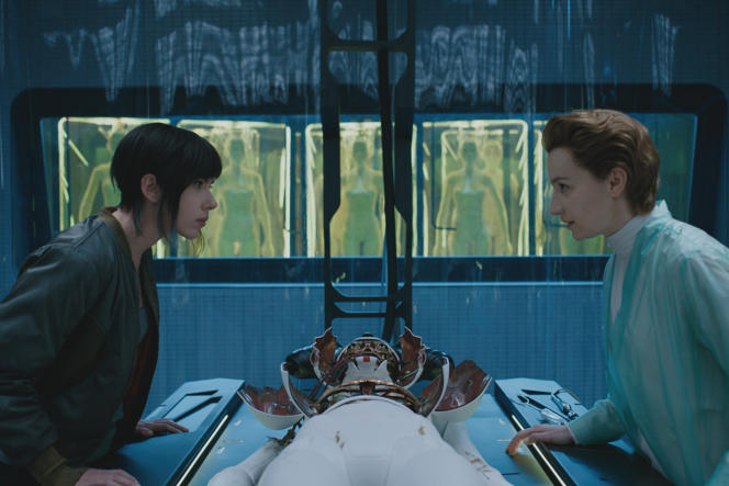 Scarlett Johansson et Anamaria Marinca dans « Ghost in the Shell», de Rupert Sanders.