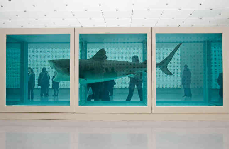 Un immense requin immergé dans du formol intitulé «The Physical Impossibility of Death in the Mind of Someone Living» (1991) exposé au Kunsthaus à Bregenz (Autriche) en février 2007.