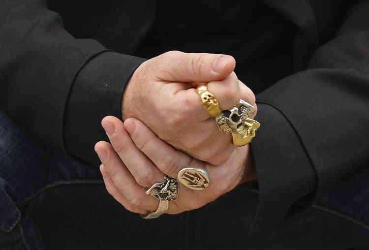 Les mains de l'artiste Damien Hirst, en avril 2012.