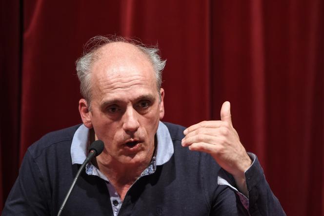 Philippe Poutou, lors d'un meeting, le 28 mars, à Besançon.