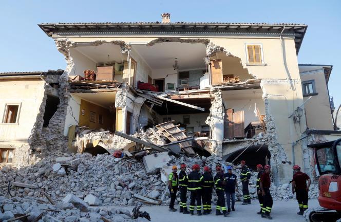 Dans la nuit du 23 au 24 août 2016, un séisme de magnitude 6,2 a partiellement détruit la commune d'Amatrice dans le centre de l'Italie et fait près de 300 morts