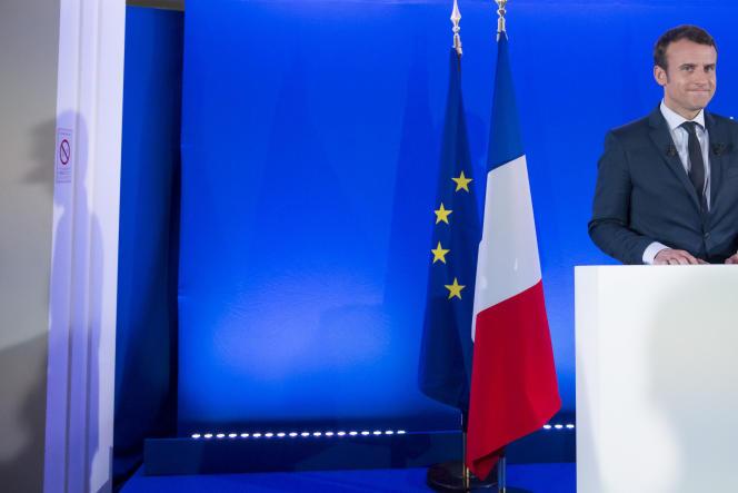 Le candidat d'En marche ! Emmanuel Macron en conférence de presse à Paris, le 28 mars.