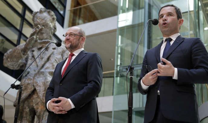 Martin Schulz et Benoît Hamon, le 28 mars, à Berlin.