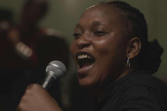 Véro Tshanda Beya (Véronique Beya Mputu) dans le film sénégalais, français et congolais d'Alain Gomis,«Félicité».