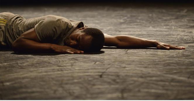 Le chorégraphe et danseur Amala Dianor.