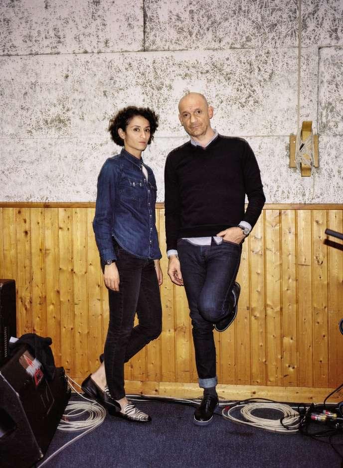 Rachida Brakni et Gaëtan Roussel en mars, à Paris.