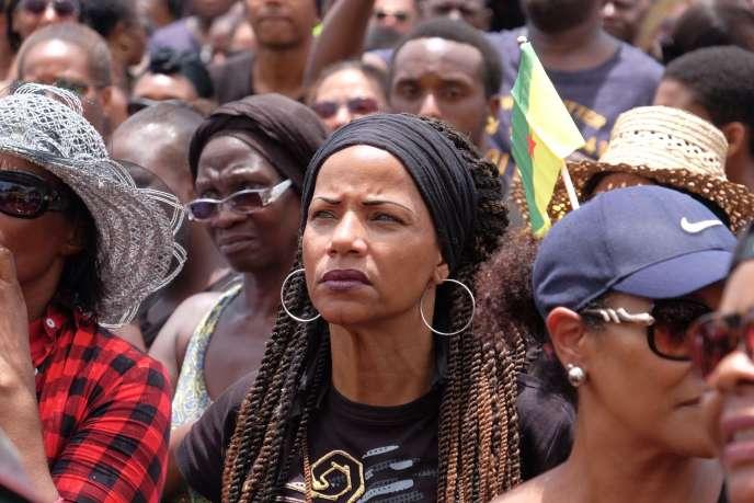 Manifestation à Cayenne, à l'occasion de la « journée morte », le 28 mars.