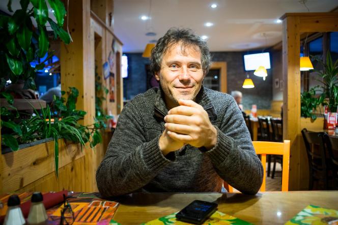 Jean-Luc Cardoso, délégué CGT à la centrale nucléaire de Fessenheim, hésite encore à aller voter.
