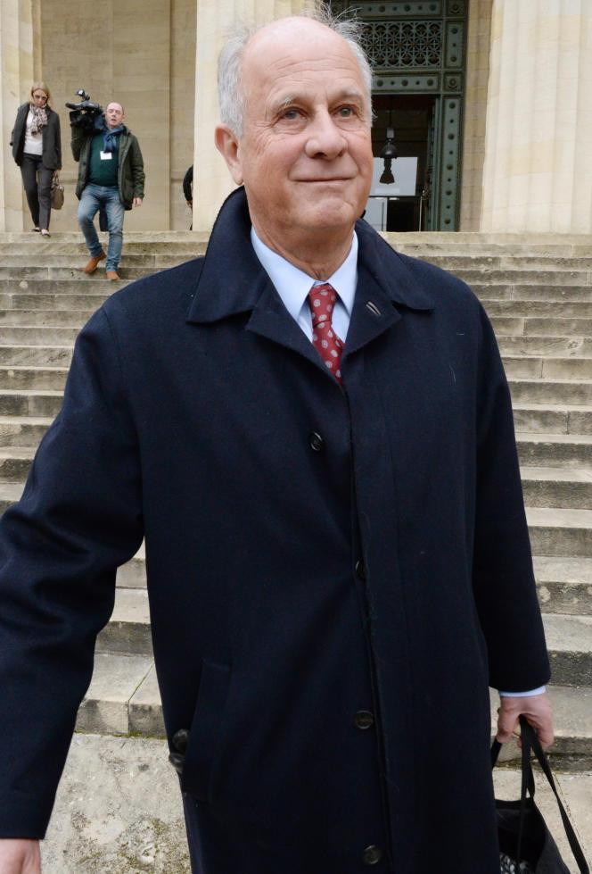 Patrice de Maistre, gestionnaire de fortune de Liliane Bettencourt, quitte le tribunal de Bordeauxle 26 janvier 2015.