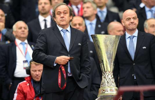 Michel Platini, alors président de l'UEFA, lors de la remise de la coupe de l'Europa ligue, à Varsovie, le 27 mai 2015.
