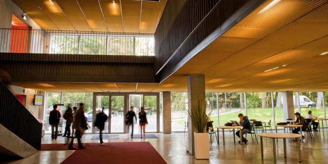 Le Campus de l'Edhec à Lille : l'école de commerce est l'établissement d'enseignement supérieur le mieux noté de France par le classement U-Multirank 2017.