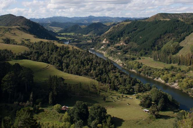 « Les droits reconnus à l'environnement restent relatifs et seront toujours mis en balance avec des intérêts contradictoires» (Photo: le fleuve Whanganui, en février 2011).