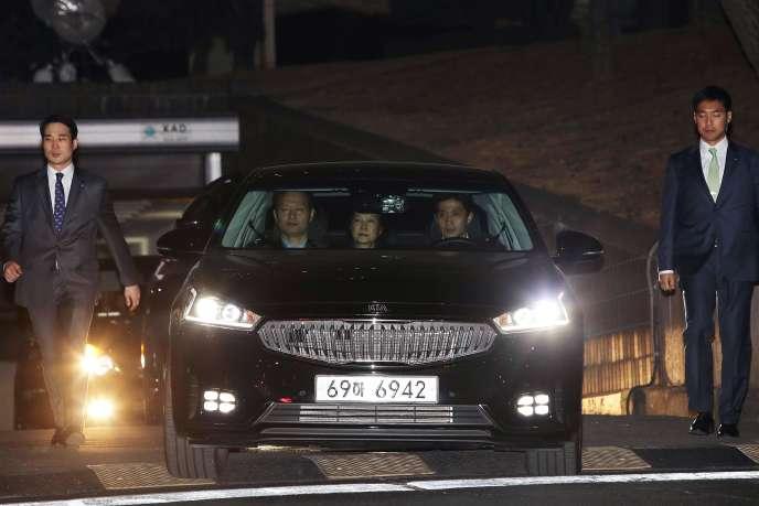 Park Geun-hye transférée en détention, le 31 mars à Séoul.
