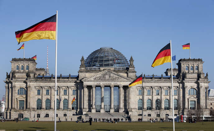 Le Reichstag à Berlin, bâtiment qui accueille le Bundestag, le Parlement allemand, le 5 mars 2013.