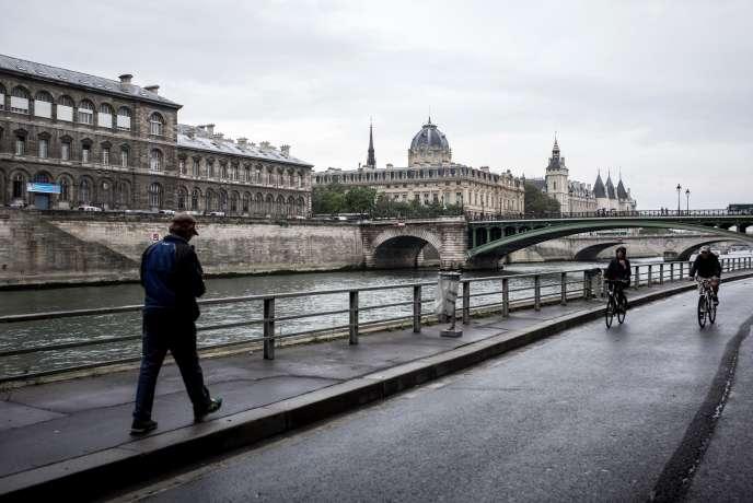La voie Georges-Pompidou fermée au trafic motorisé, à Paris, le 25 septembre 2016.