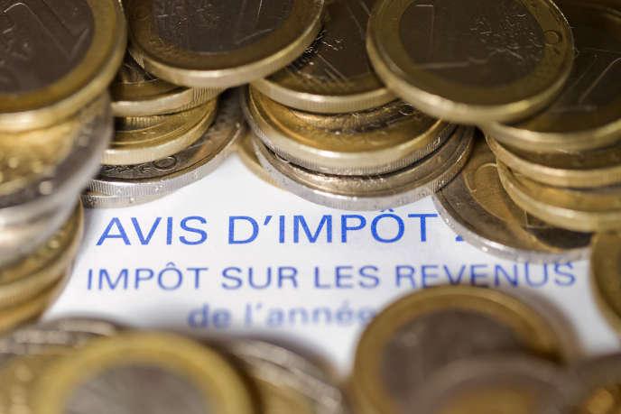 Un avis d'imposition sur le revenu. La France détient le plus haut niveau de prélèvements obligatoires (44,5% du PIB) des pays de l'OCDE, derrière le Danemark.