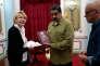 Luisa Ortega reçue par le président vénézuélien, Nicolas Maduro, le 1er avril au palais de Miraflores, à Caracas.