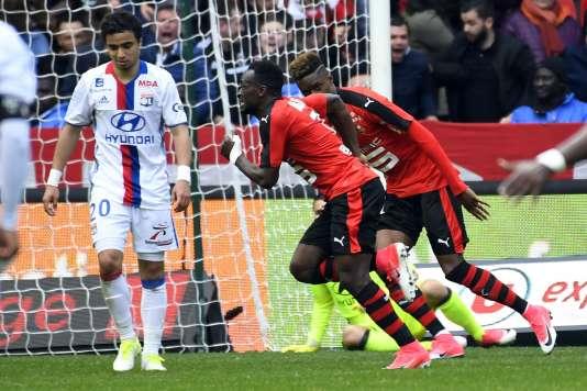 Firmin Mubele Ndombe fête son but contre Lyon, le 2 avril à Rennes.