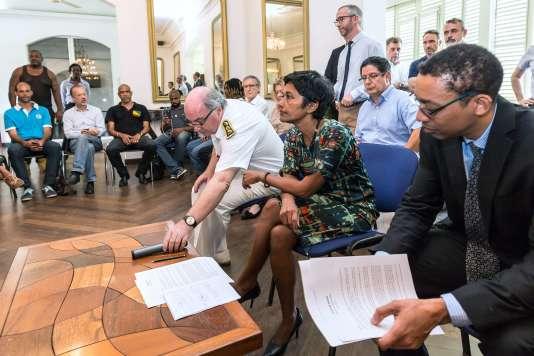 Le protocole d'accord, présenté dimanche, devait être ratifié avant le retour de la ministre à Paris dans la journée. Ce ne sera pas le cas.