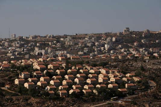 Une vue dela colonie israélienne d'Ofra, au nord de Ramallah.