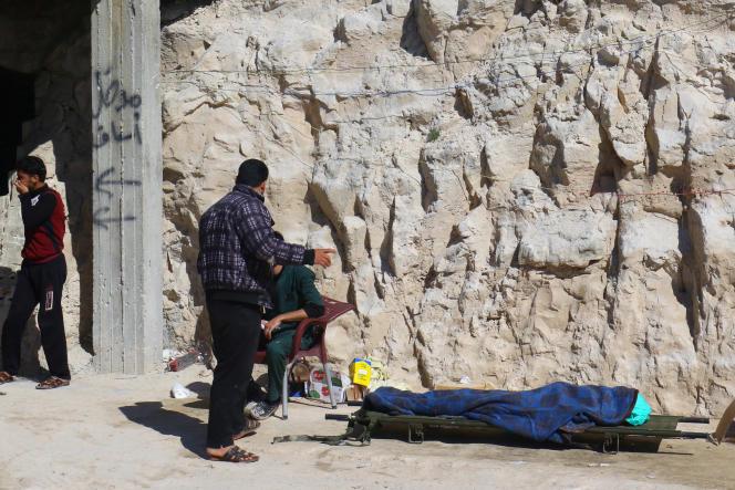 Juste après une attaque de gaz dans la ville de Khan Cheikhoun, en Syrie le 4 avril.
