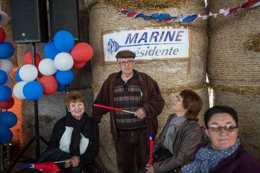 Lors d'une réunion publique de Marine Le Pen à LaTrinité-Porhoët (Morbihan), le 30 mars.
