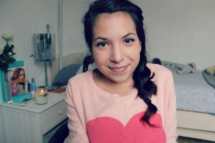 Elsa a lancé sa chaîne beauté Elsamakeupsur YouTube en 2010.