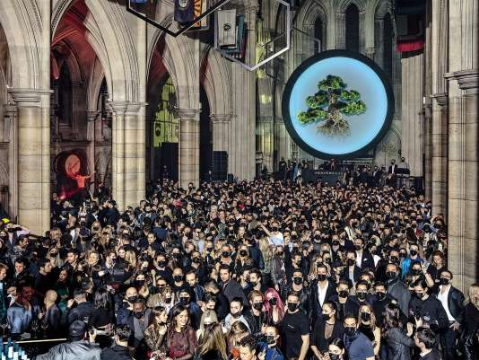 Le 3 mars au soir, une marque de saké privatisait la cathédrale de l'avenue Georges-V pour célébrer sa naissance et prêcher sur… les dangers du changement climatique.