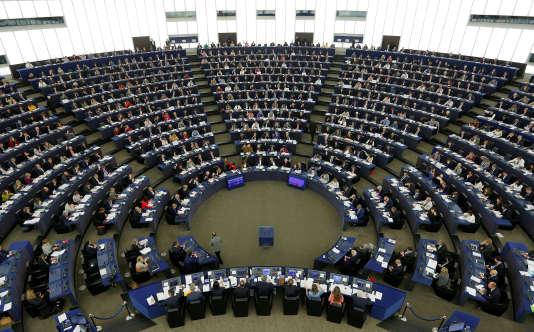 Les eurodéputés ont voté sur la résolution fixant les priorités des négociations pour la sortie du Royaume-Uni de l'Union européenne, à Strasbourg, le 5avril 2017.
